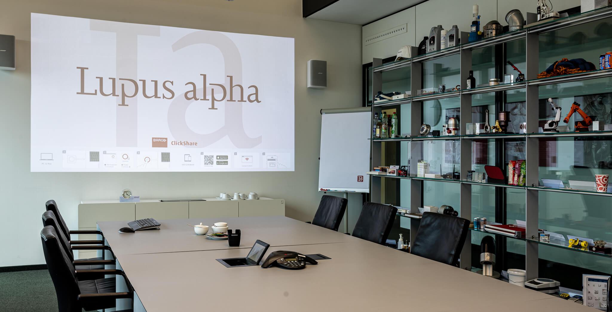 Lupus_alpha_home